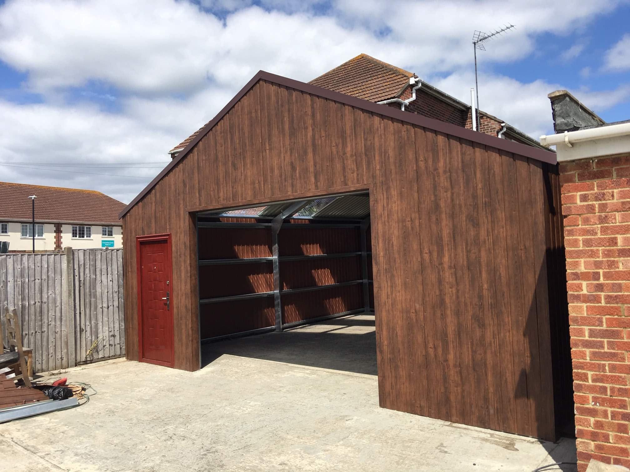 walnut steel garage 7m x 7m